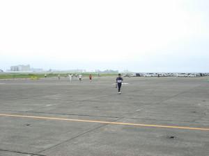 runway09_06.jpg